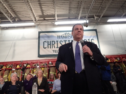 Chris Christie campaigning in Milford, NH